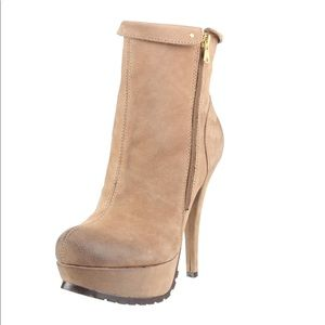 Kelsi Dagger *Shaina* boots